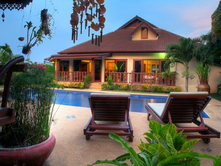 phuket 4 bedroom pool villa for rent